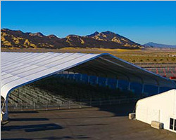 Big span of curved tent for industry use
