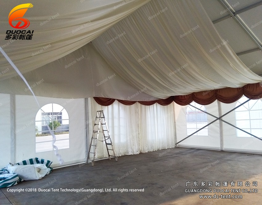 Outdoor commercial tent system with roof decoration